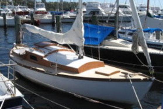 electric inboard boat motor example - 'Top Hat'