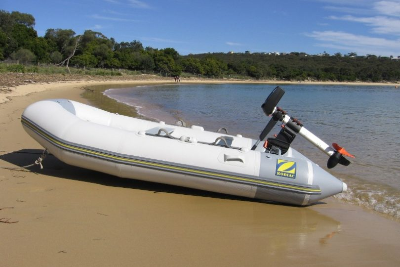 Electric outboard Torqeedo travel 801 on a zodiac inflatable