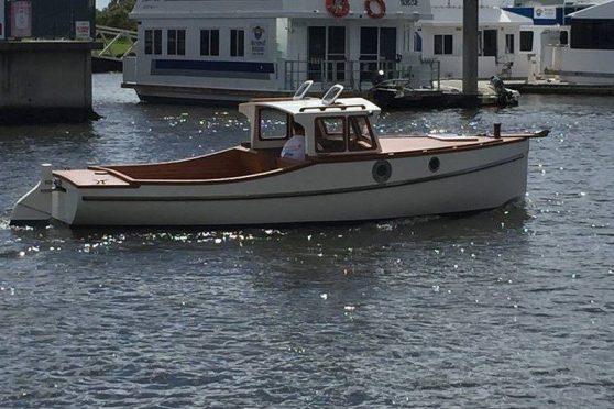 Newport 20' with electric inboard motor