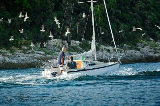 electric boating and the environment - electric outboard